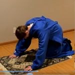 Learn about the Muslim prayer.