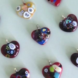Learn how to make hearts from fused glass.